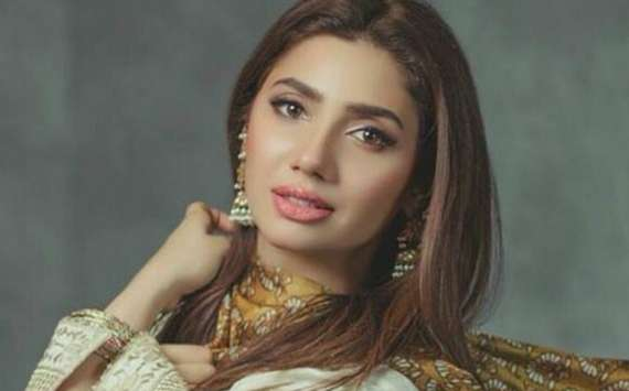 Mahira Khan becomes first Pakistani celebrity to hit 5 million Instagram followers